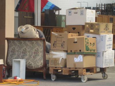 umzug ch verkaufen verschenken versteigern. Black Bedroom Furniture Sets. Home Design Ideas